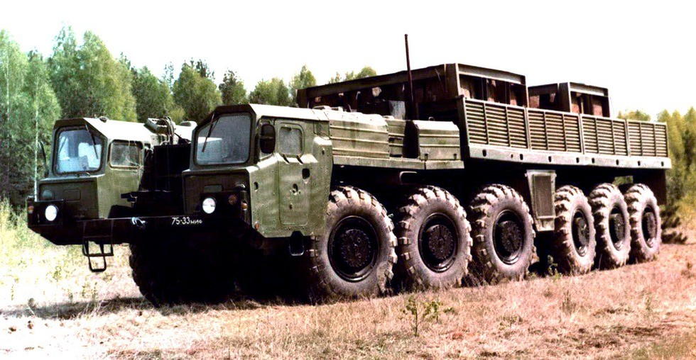 Опытный автомобиль МАЗ-547Э с электрической трансмиссией (из архива СКБ-1 МАЗ)