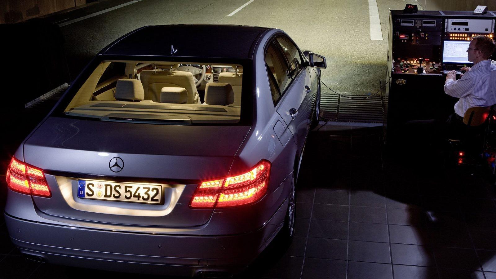 Mercedes-Benz-E-Class-2010-1600-bf