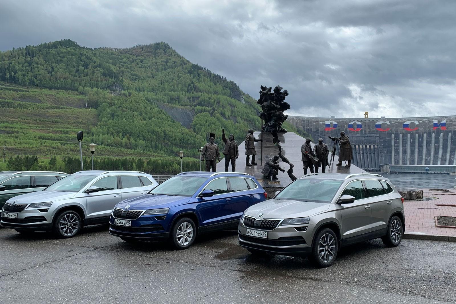 Skoda Karoq с полным приводом: брать сейчас, ждать Volkswagen Taos? А может быть, Tiguan?