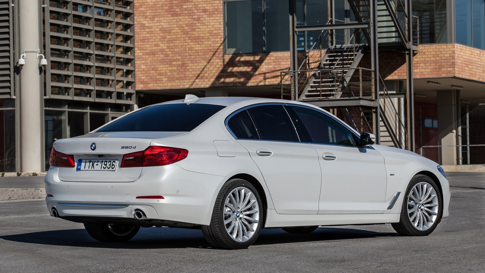bmw_520d_sedan_luxury_line_37