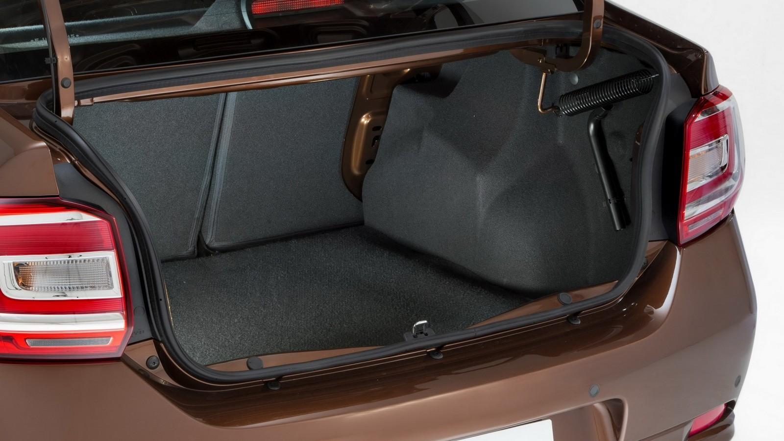 На фото: Багажник Renault Logan '2013–н.в.