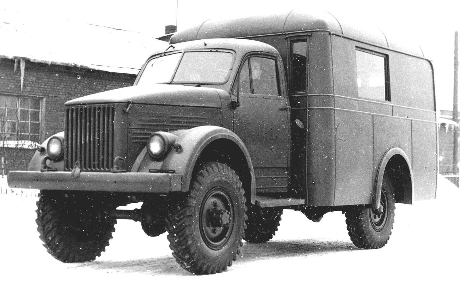 Штабные, заправочные и для химических войск: военные версии полноприводного ГАЗ-63