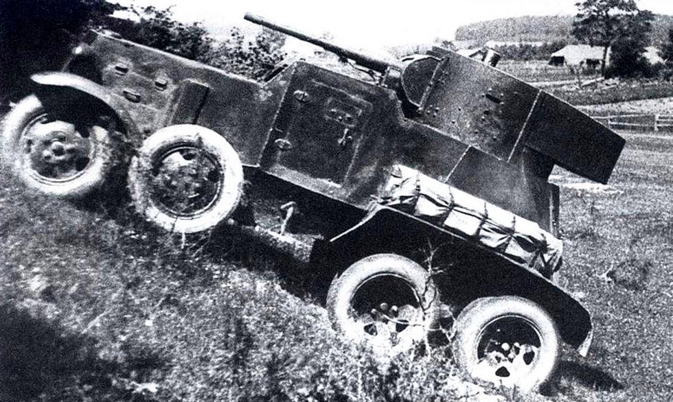 Броневик БА-3 с танковой пушкой