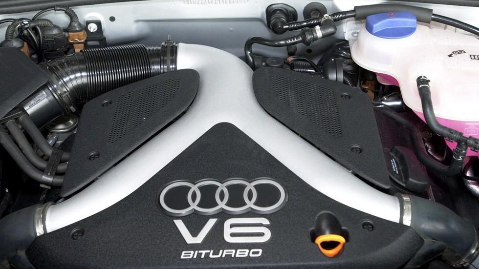 На фото: Под капотом Audi Allroad 2.7T quattro '2000–06