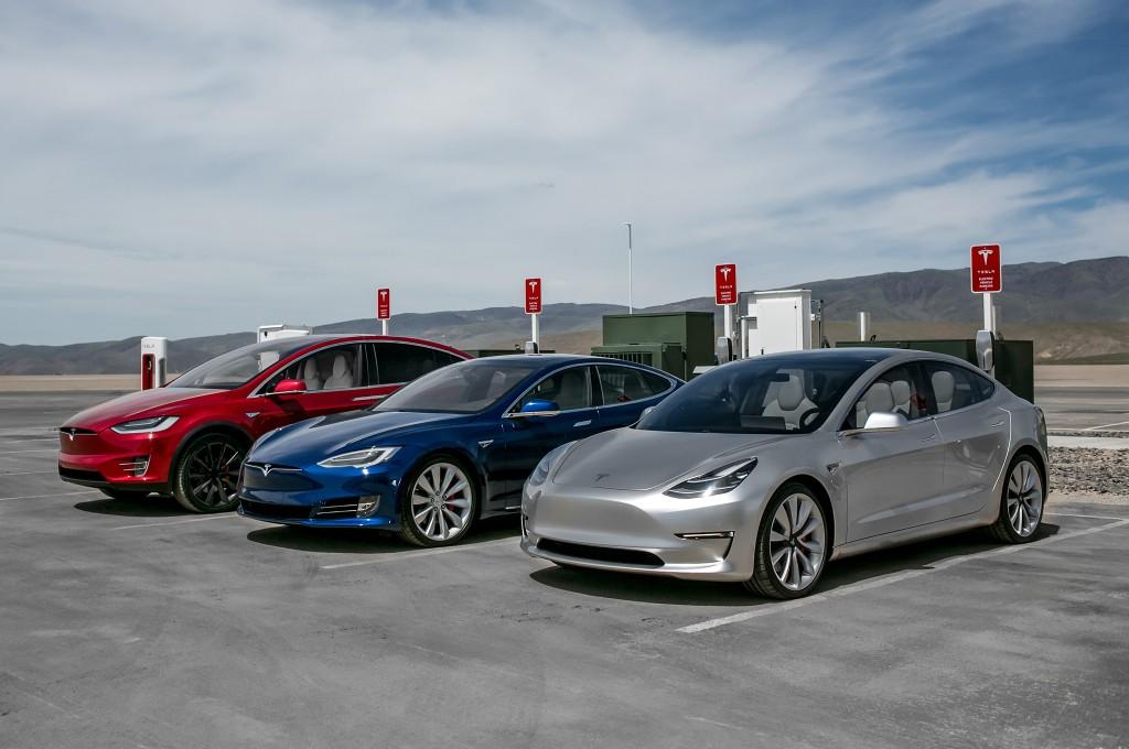 На фото: текущий модельный ряд Tesla