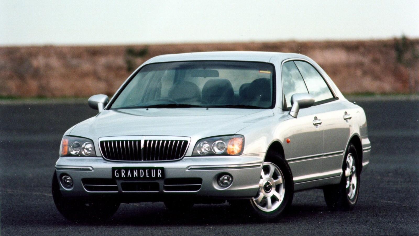 Hyundai Grandeur AU-spec (XG) '09.1999–03.2002