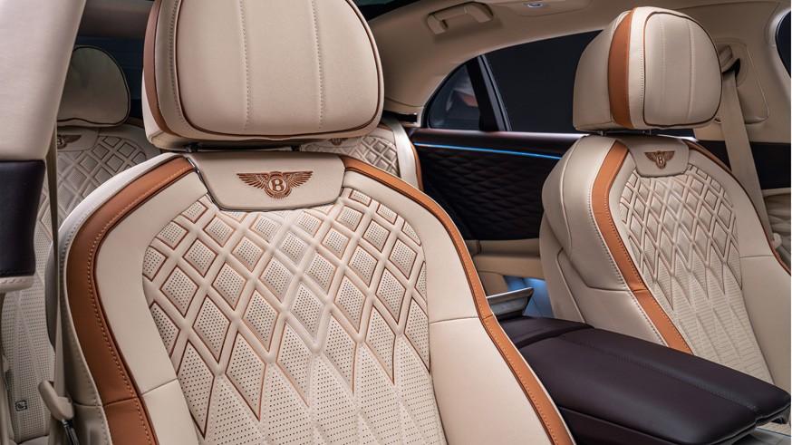 Ещё один гибридный Bentley Flying Spur: у новой версии салон богаче