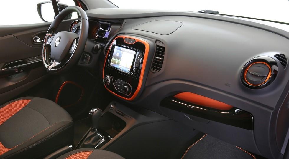 На фото: интерьер Renault Captur