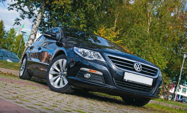 На фото: Volkswagen Passat CC