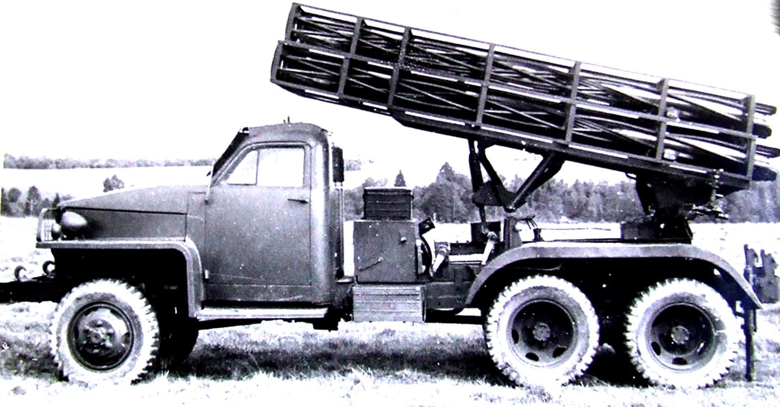 Опытная ракетная установка БМ-13СН с винтовыми направляющими. 1944 год