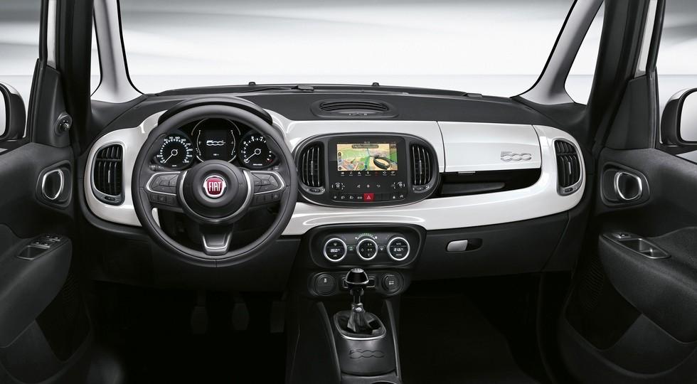 На фото: интерьер Fiat 500L Urban