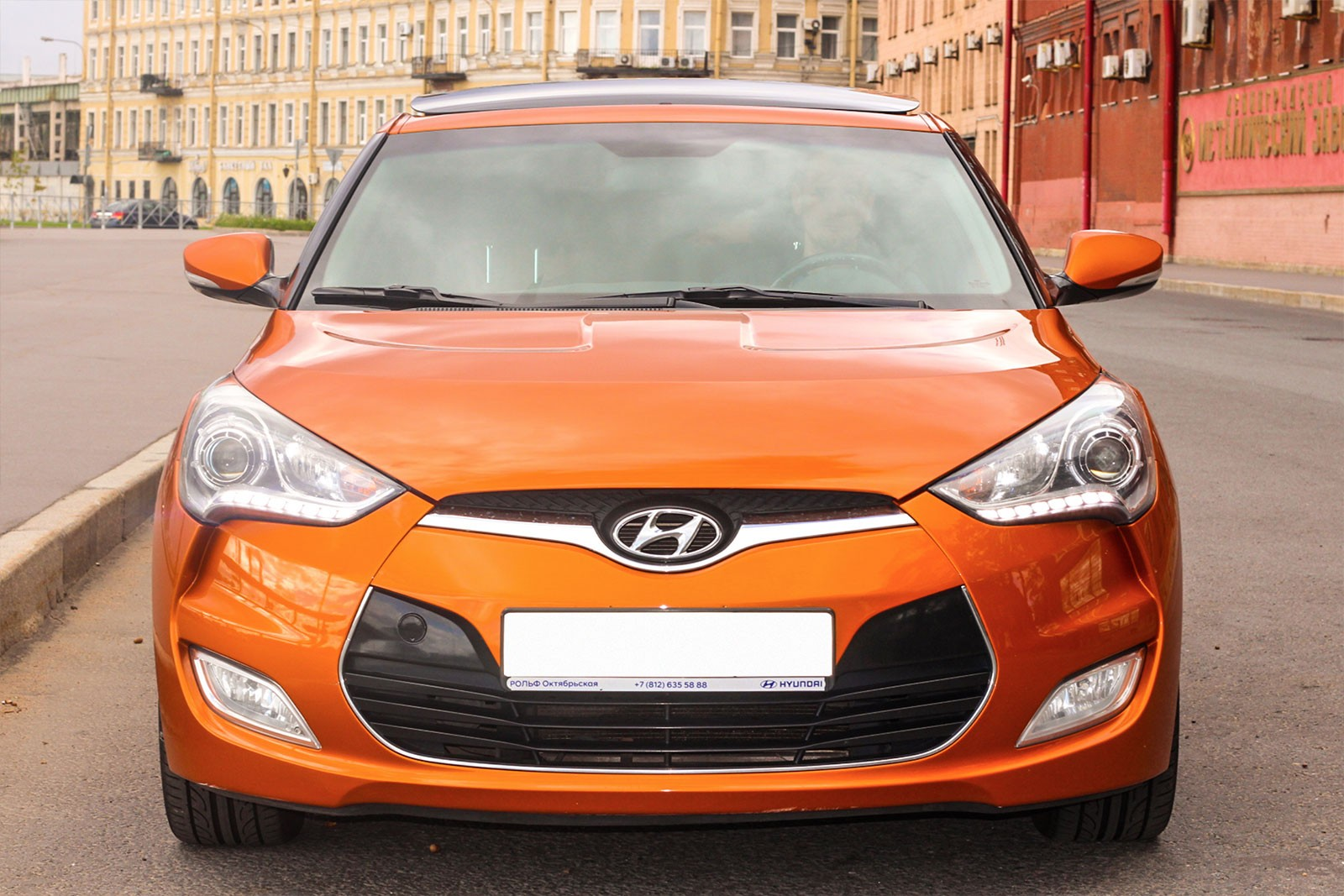 Hyundai Veloster анфас спереди