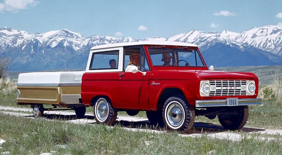 На фото: Ford Bronco первого поколения