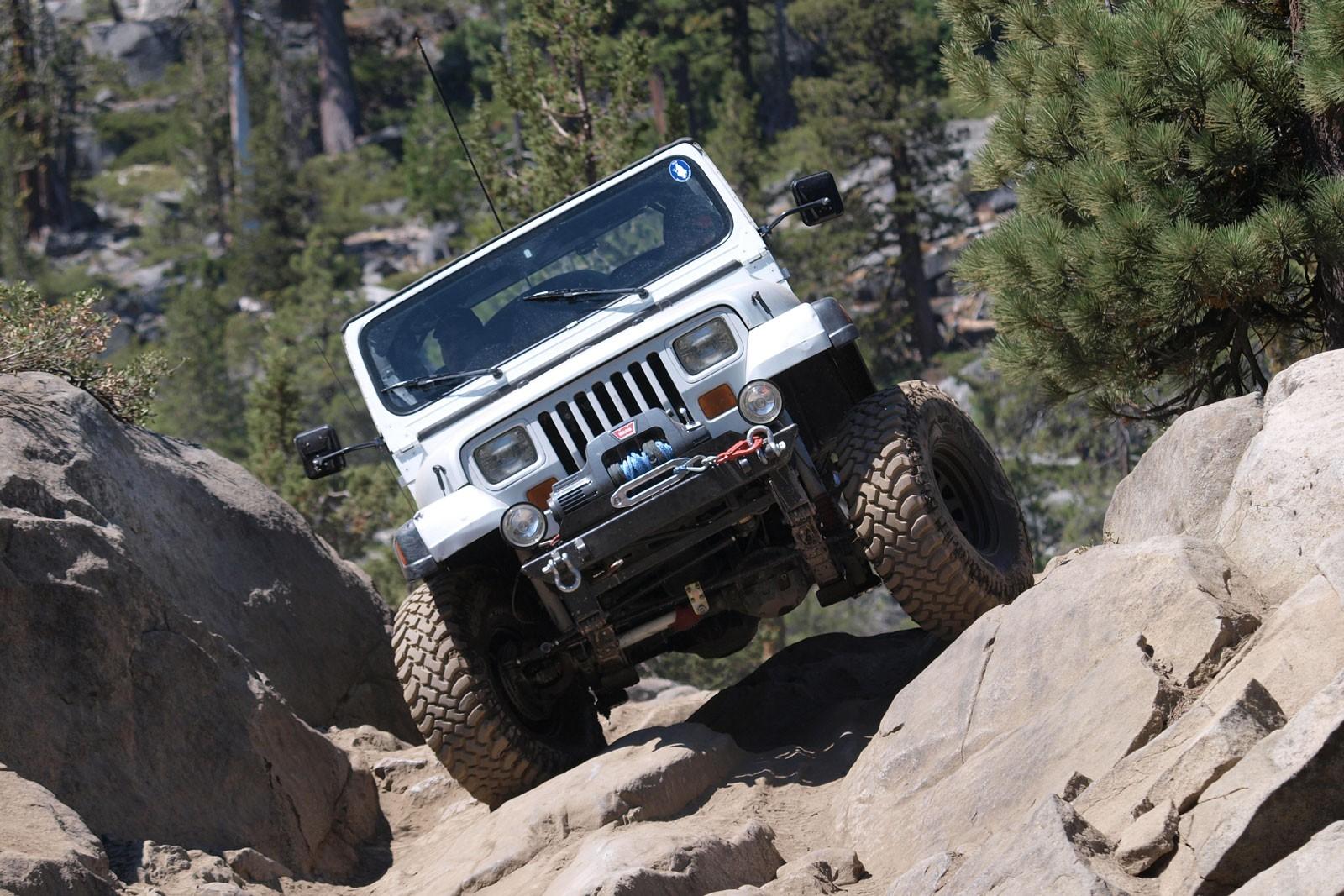 Молодое вино и старые меха: тест Jeep Wrangler Rubicon JL