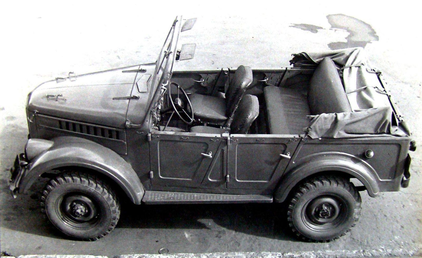 Советские боевые «Козлы» ГАЗ-69: штабные, артиллерийские, противотанковые и не только