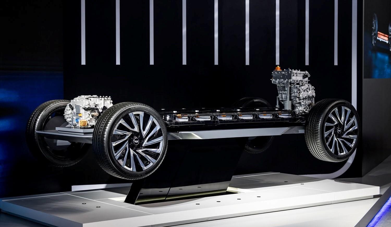 Догнать и перегнать Tesla: GM анонсировала недорогие кроссоверы Equinox EV и Blazer EV