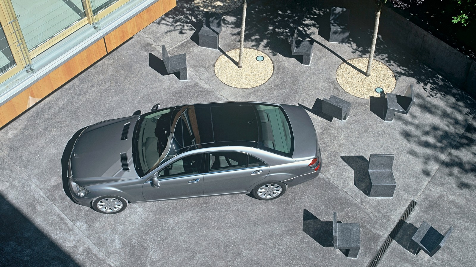 На фото: Mercedes-Benz S 500 (W221) '2005–09