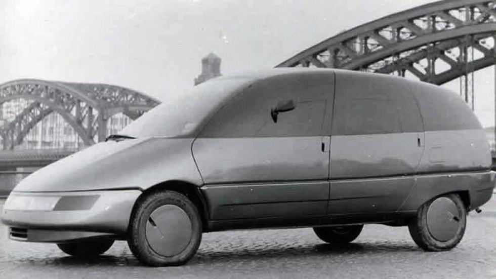 «Охта» была очень обтекаемой, что соответствовало концепции «Автомобиля 2000 года»