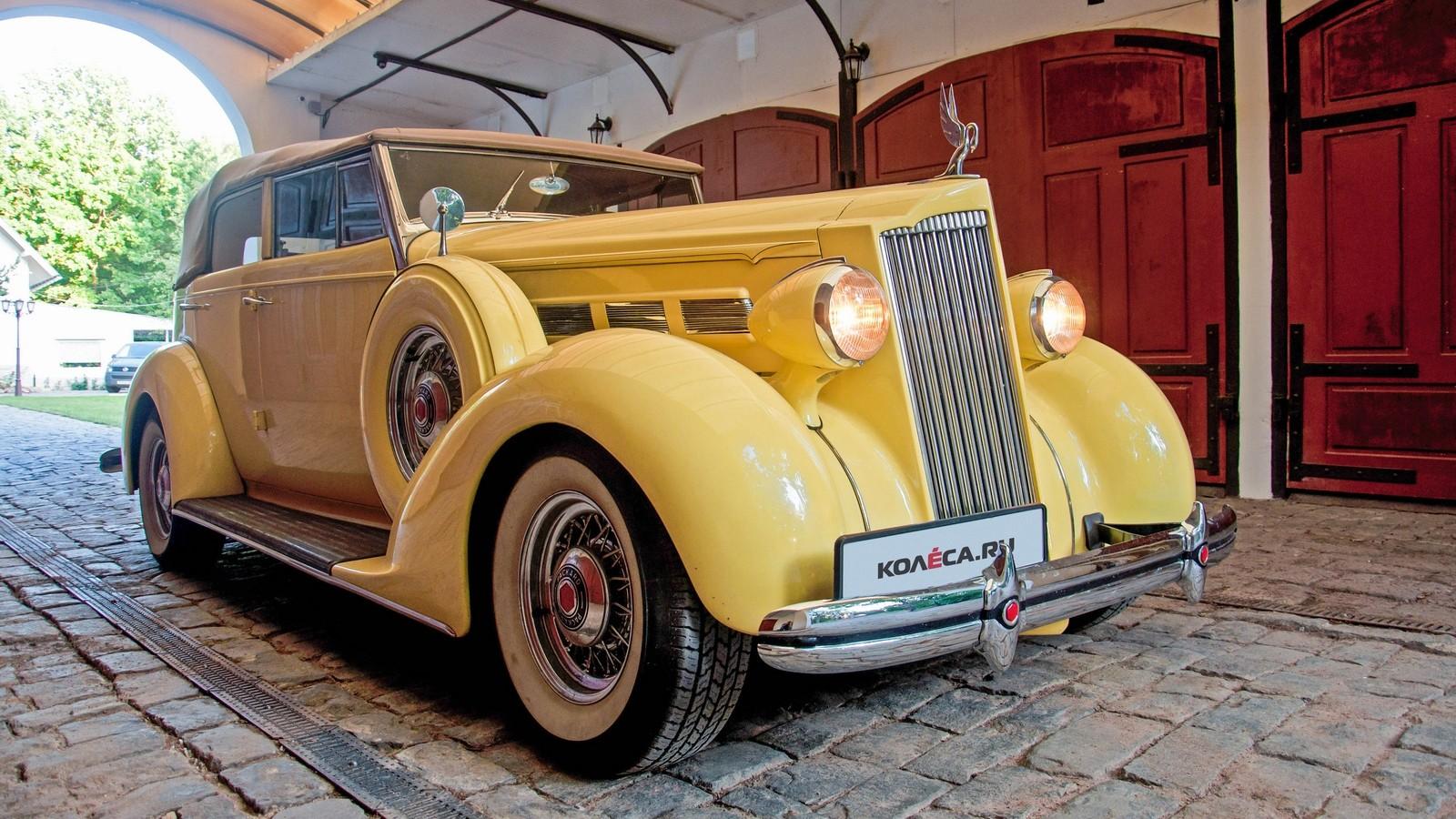 Packard Eight 1937 жёлтый три четверти (5)