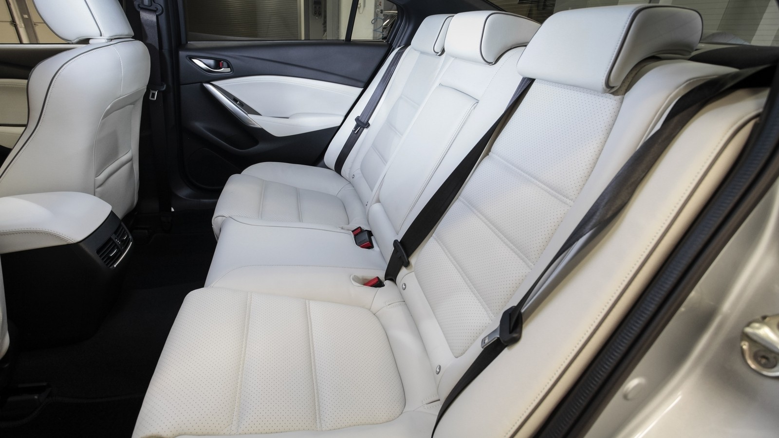 Mazda6_IPM_interior_020