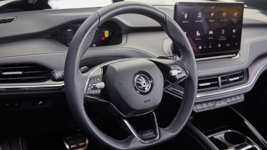 Skoda выводит на рынок спортивную версию Enyaq iV: два мотора, 265 л.с. и иная отделка салона