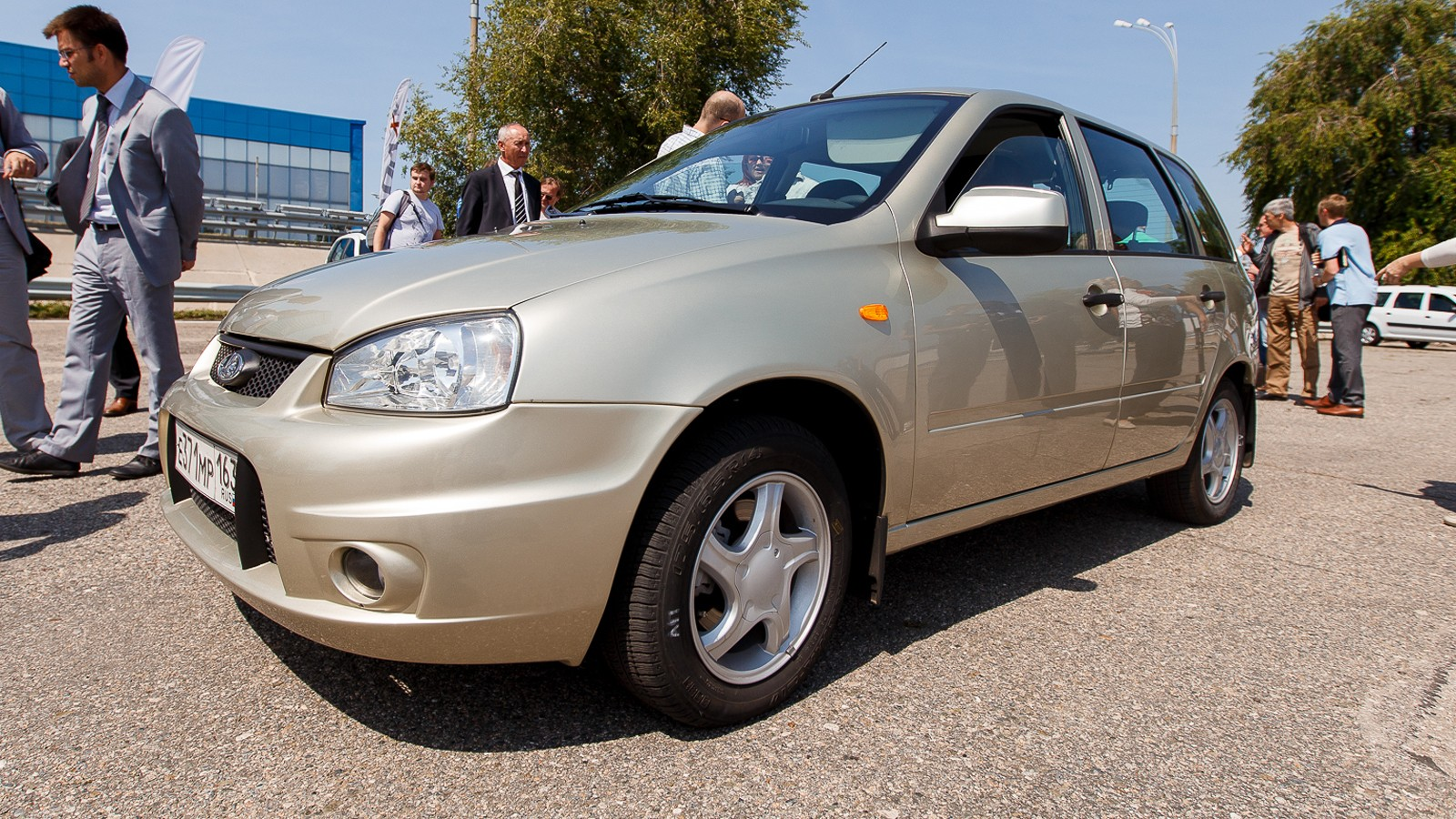 На фото: российский электромобиль Ellada