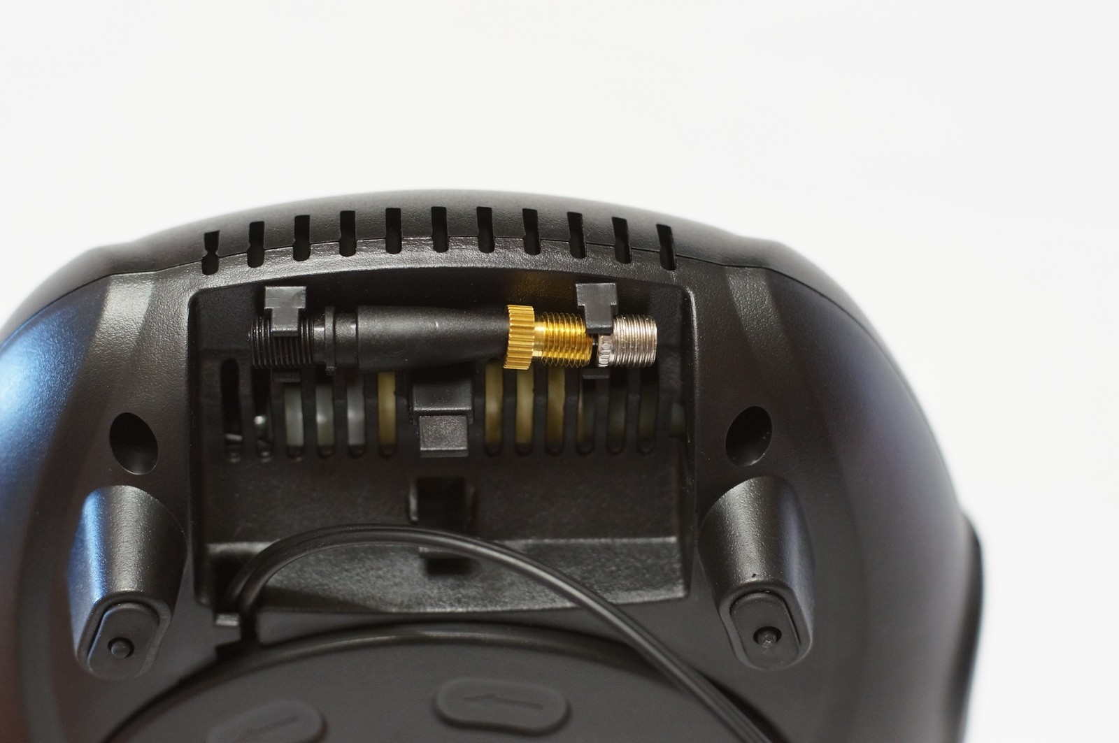 «Качающая тарелка». Обзор автомобильного компрессора от Osram