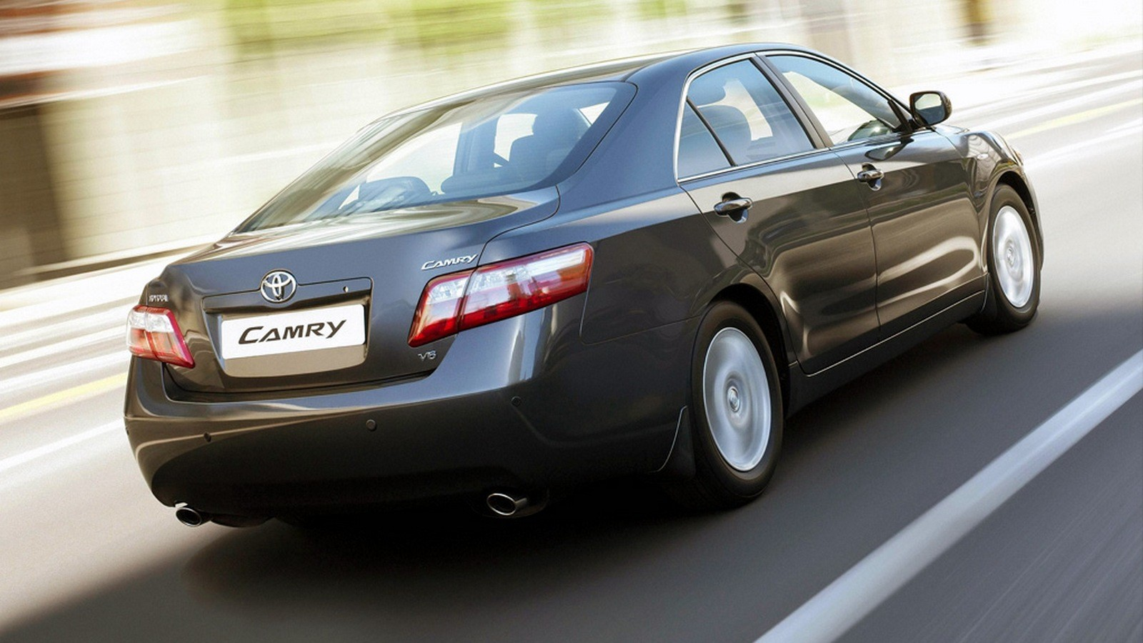На фото: Toyota Camry '2006–09