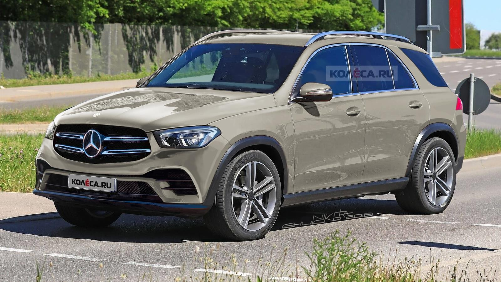 Mercedes-Benz GLE2 front2