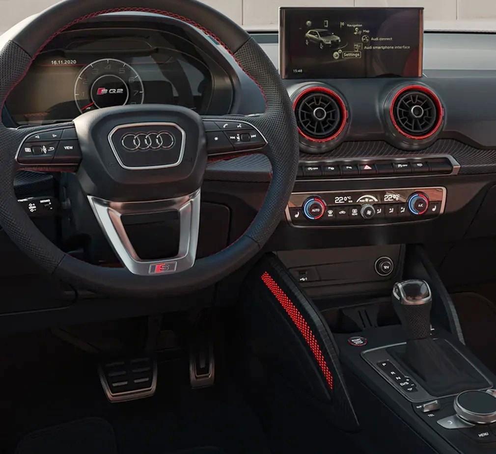 Обновлённый Audi SQ2: старая мультимедиа, настоящие выхлопные трубы и обивка из вторсырья