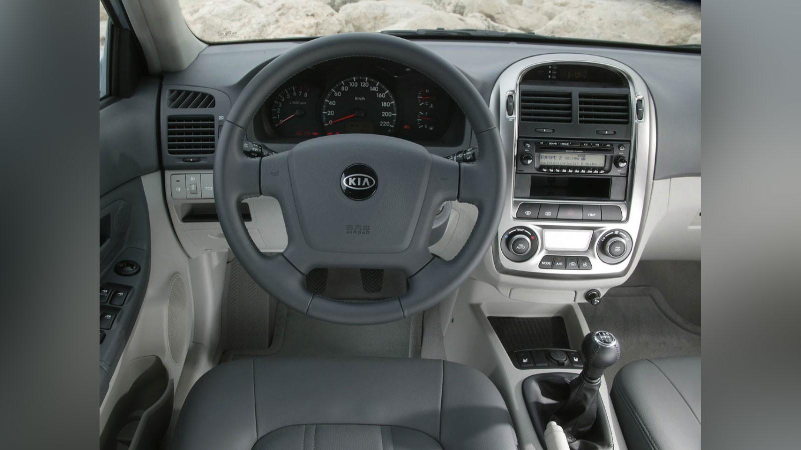 autowp.ru_kia_cerato_hatchback_1