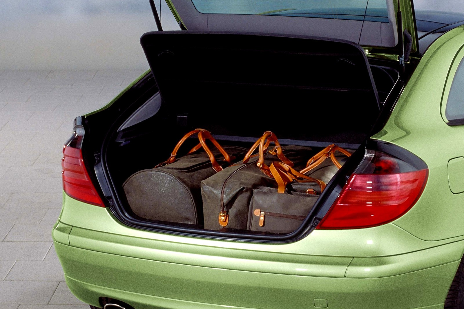 5 причин покупать и не покупать Mercedes-Benz C-Class W203