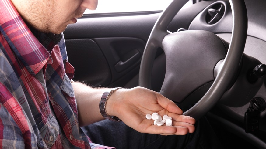 Без дорогих тестов для выявления алкоголиков: правила выдачи медсправок водителям изменили