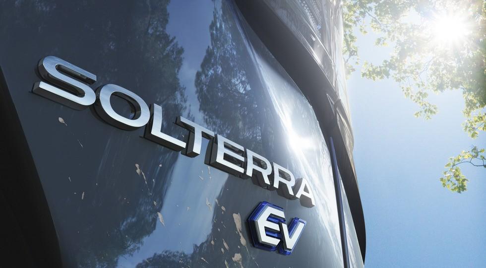 Первый массовый электрокар Subaru: это кроссовер Solterra, близнец Тойоты