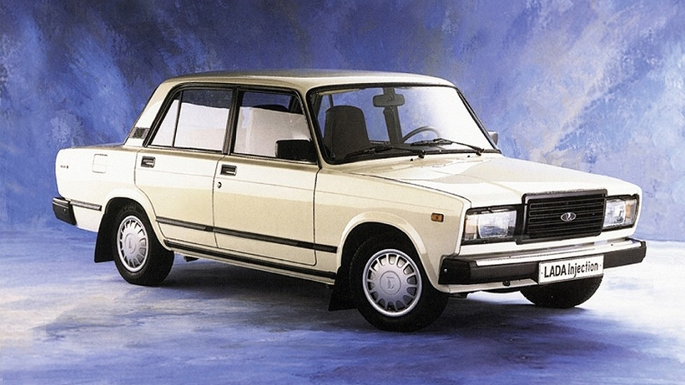 ВАЗ-2107 получил впрыск топлива – сначала центральный, а затем и распределённый