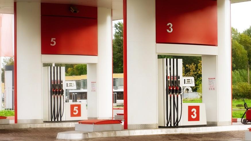 Кругом обман: бензин не доливают на каждой пятой АЗС, низкое качество – на каждой десятой