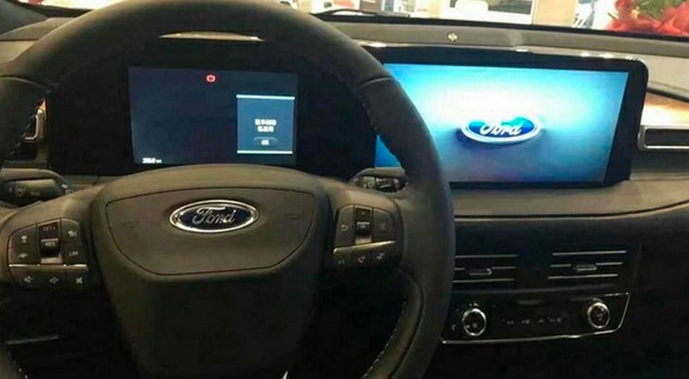Другой Ford Edge-2021: вертикальный планшет спихнули американцам, теперь – единое табло