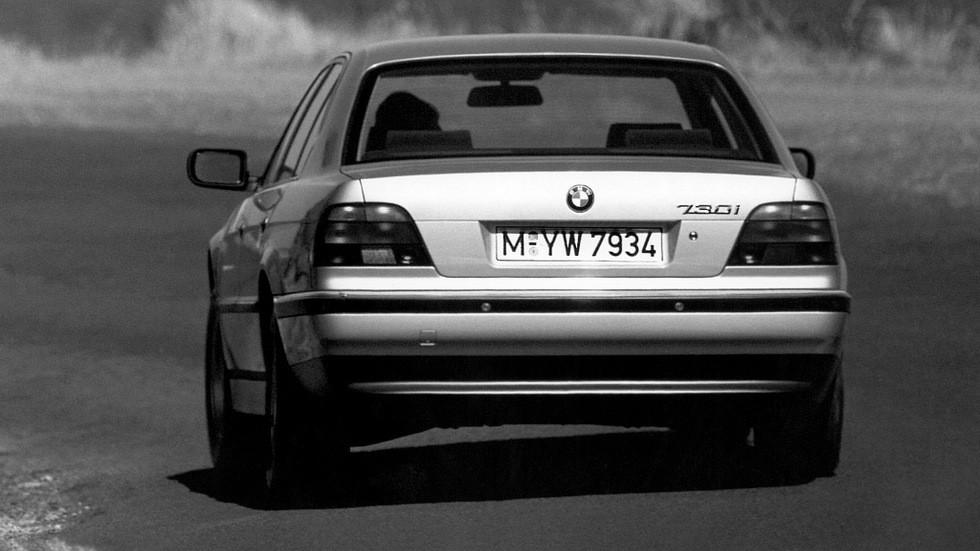 На фото: BMW 730i (E38) '1994–96