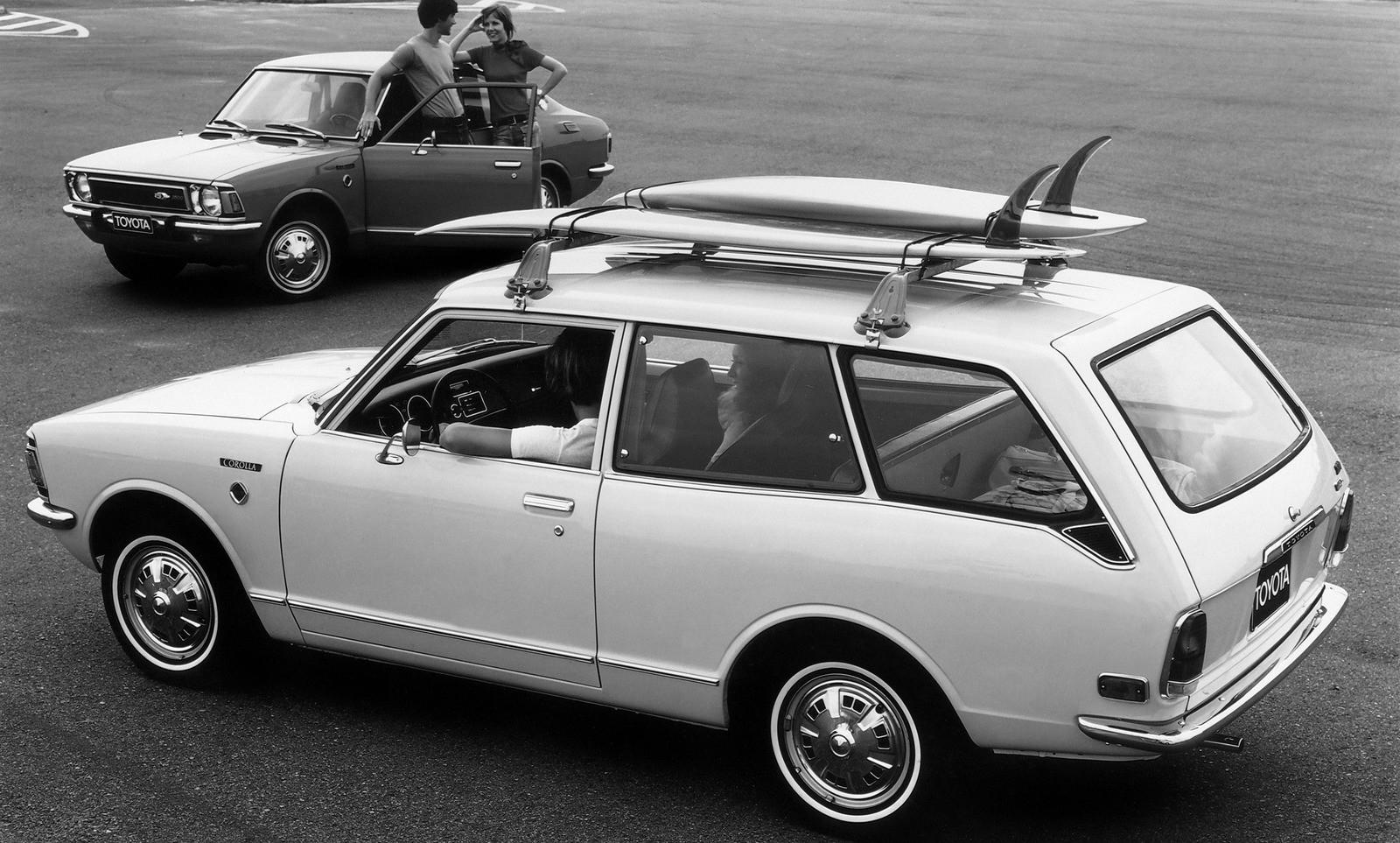 На фото: Toyota Corolla '1970–74