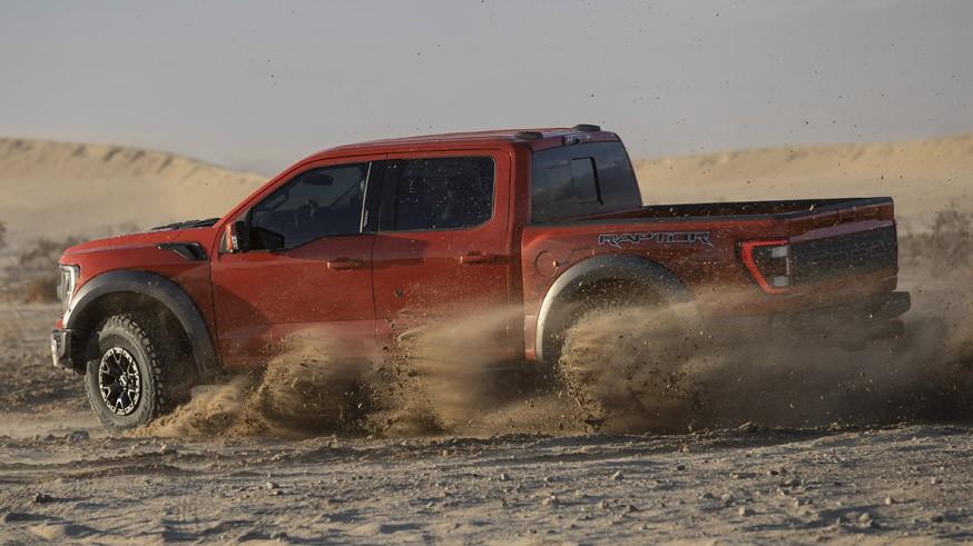 Практичный пикап: в Ford объяснили, почему новый F-150 Raptor лишили «полуторной» кабины