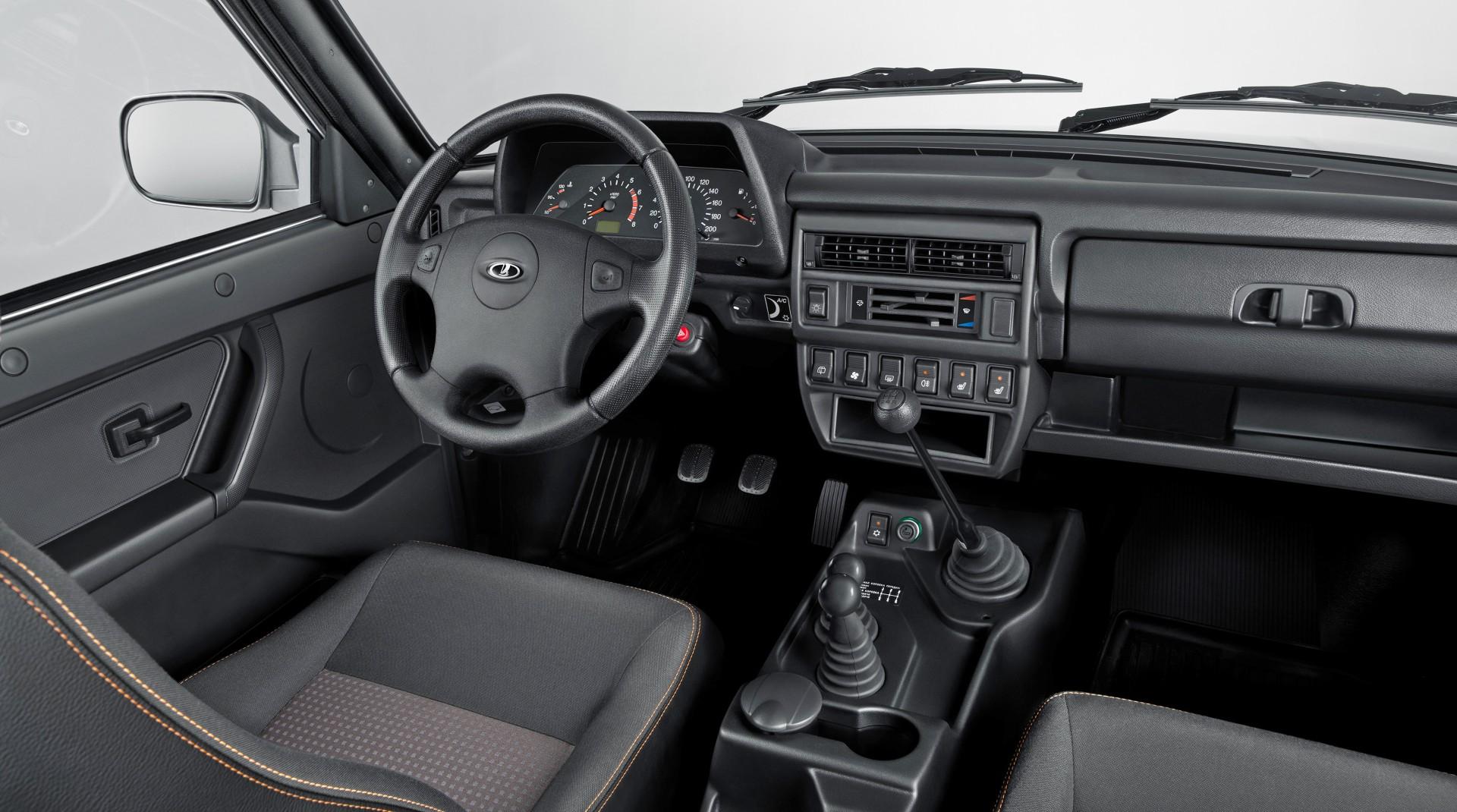 Обновлённая Lada 4×4: первое фото интерьера и другие уточнения