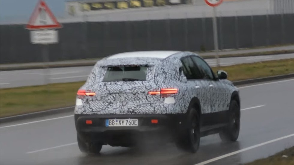 Mercedes-Benz-EQC-2-980x0-c-default