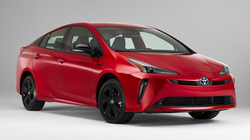 Toyota интригует: японская марка готовит к скорой премьере две неизвестные новинки