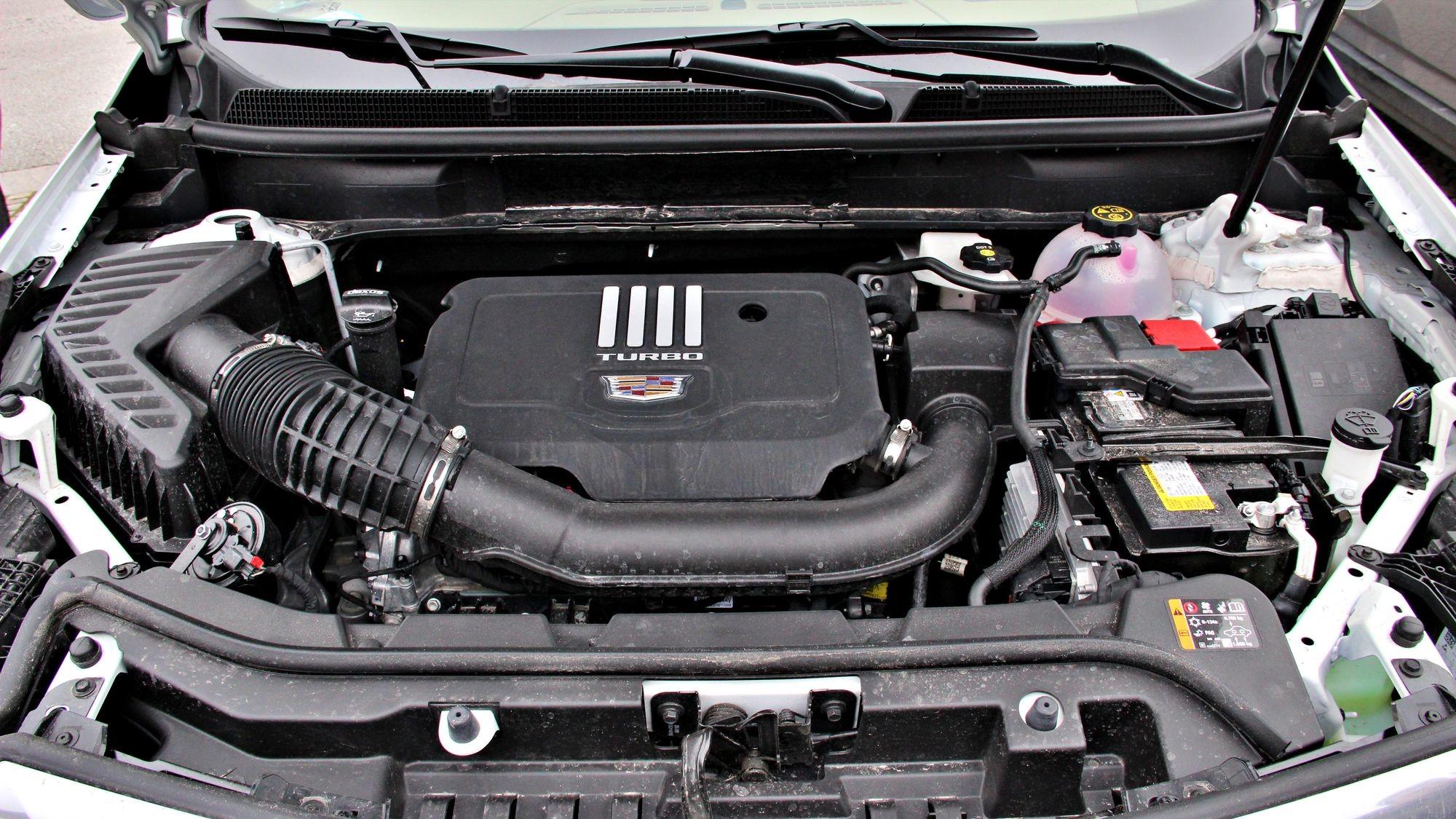 Тёмные лошадки и налоговые манёвры: тест-драйв обновлённого Cadillac XT5
