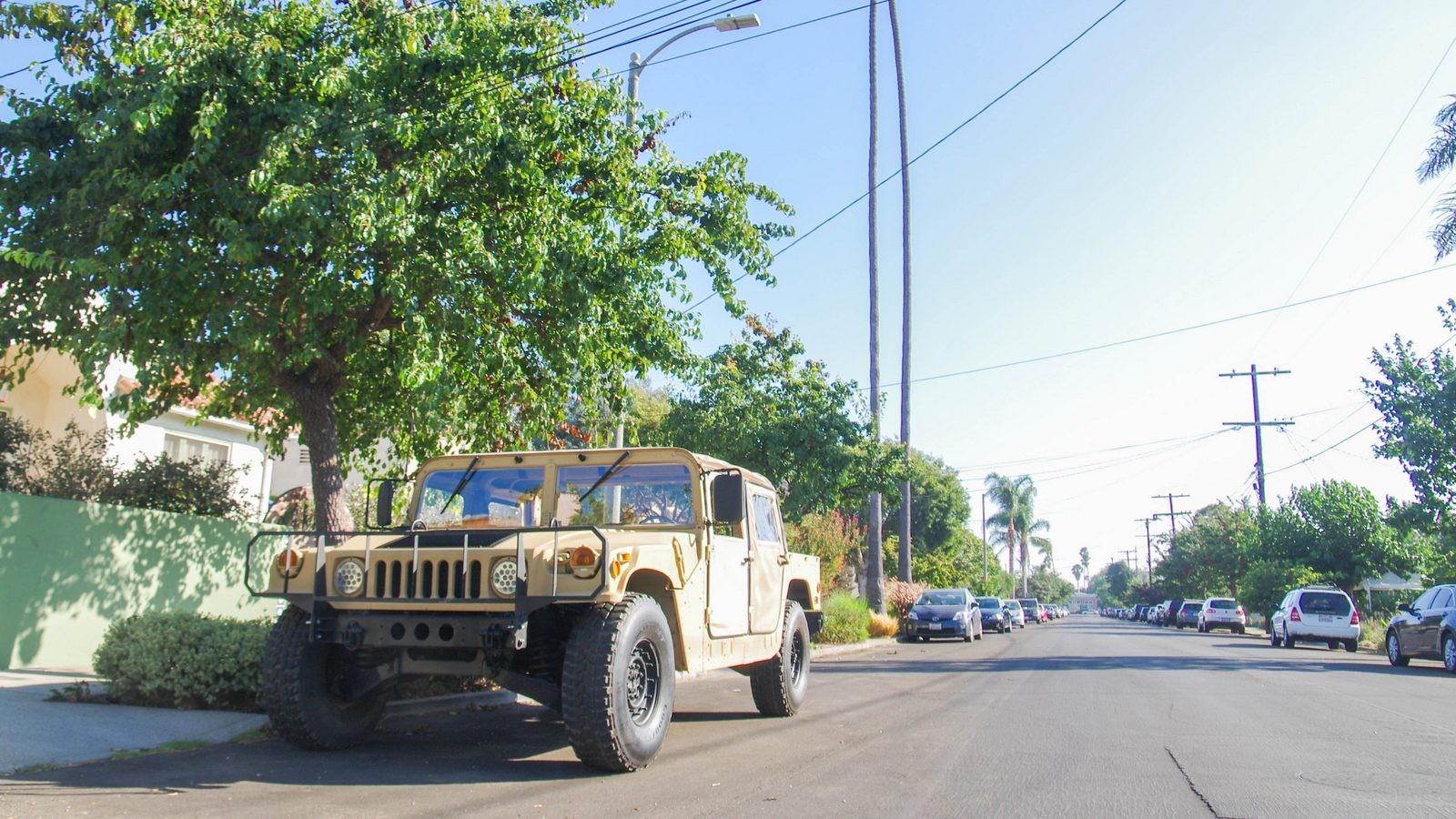 Hummer AM General HMMWV M998 спереди (2)