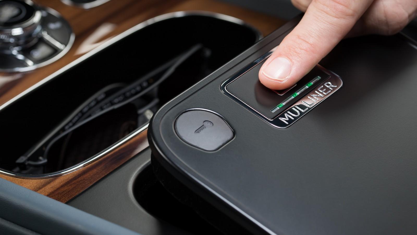 Bentley — Bentayga Mulliner Biometric Storage -013