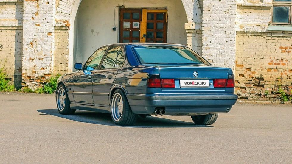 BMW-5-серии-E34-сзади