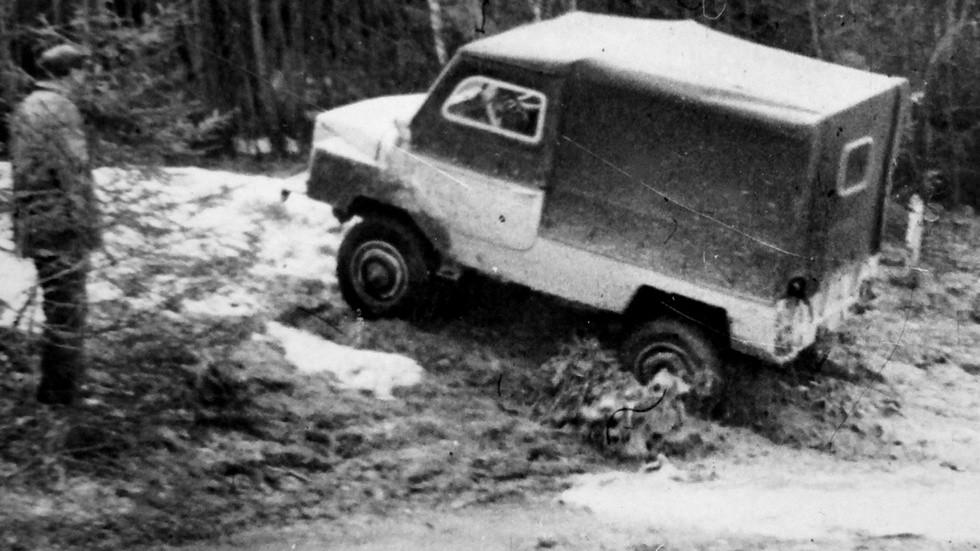 Полигонные испытания автомобиля ЗАЗ-969 в 21 НИИИ (из архива НИИЦ АТ)