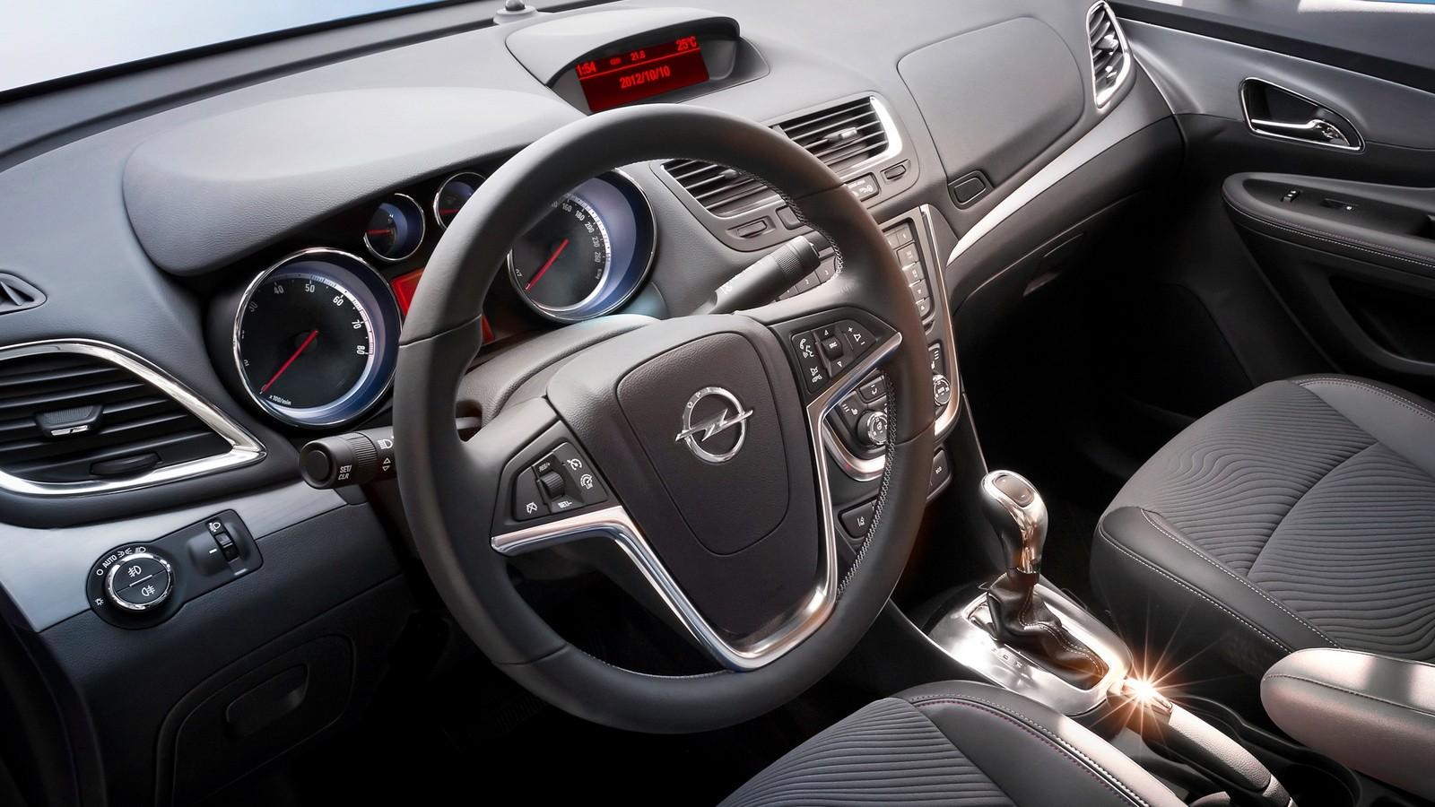 Интерьер Opel Mokka '2012–16