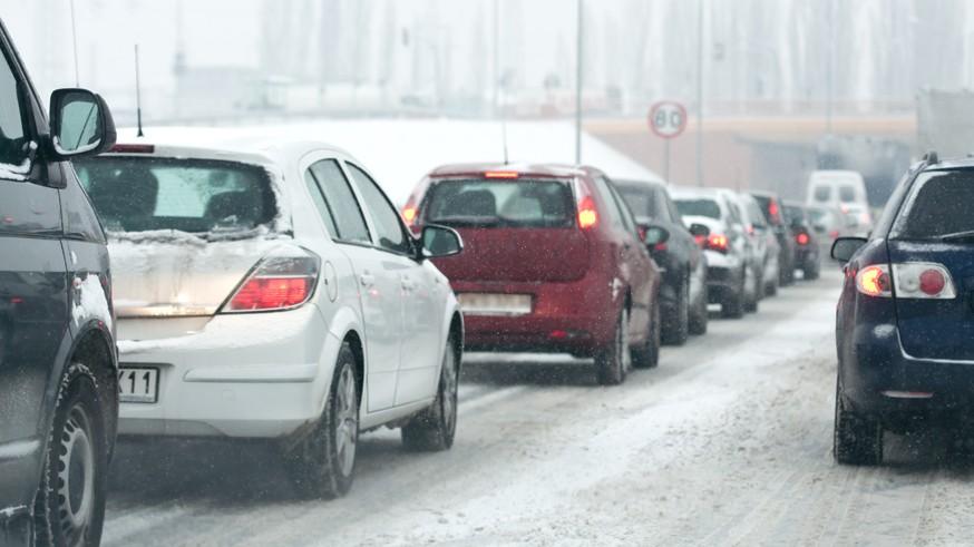 Опознавательный знак «Шипы» на автомобили не вернётся: ГИБДД выступает против